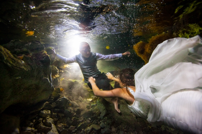 Underwater Photo Session. Trash The Dress