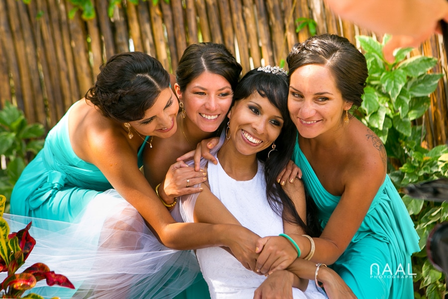 bride and bridemaids Le Rêve Naal Wedding Photography