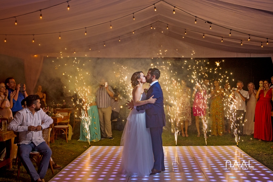 Bacalar destination wedding- Arlenis Ruiz - Naal Wedding Photography. First dance