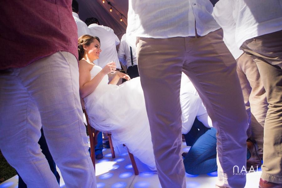 Bacalar destination wedding- Arlenis Ruiz - Naal Wedding Photography. Garder fun moment
