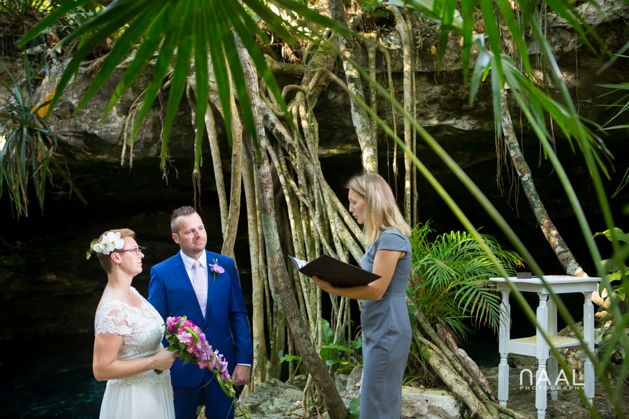 cenote landscapes for a destination wedding. Trash the dress photo session by Naal Wedding Photography
